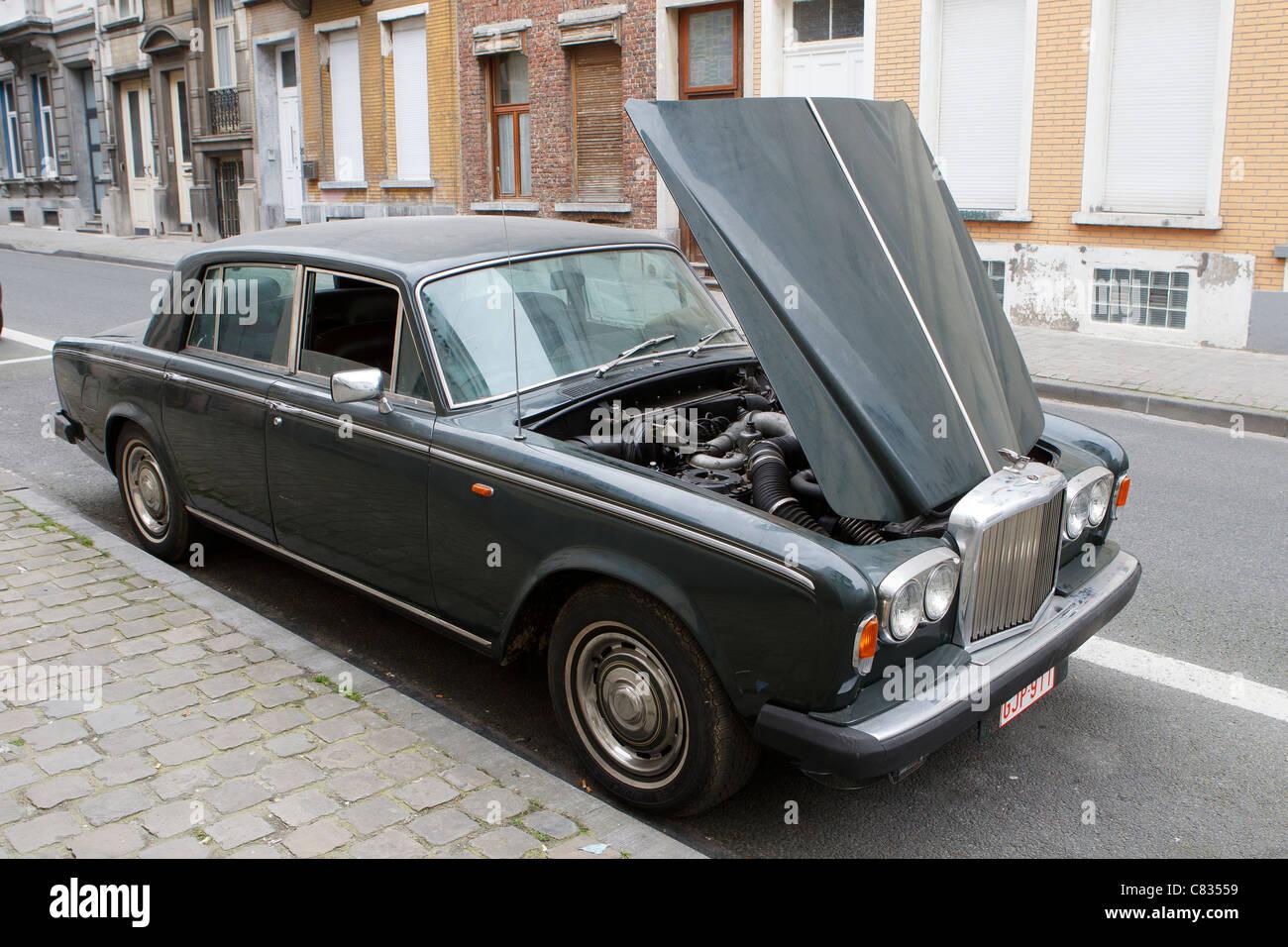 1980 T2 bentley motor car hood open bonnet up broken down - Stock Image