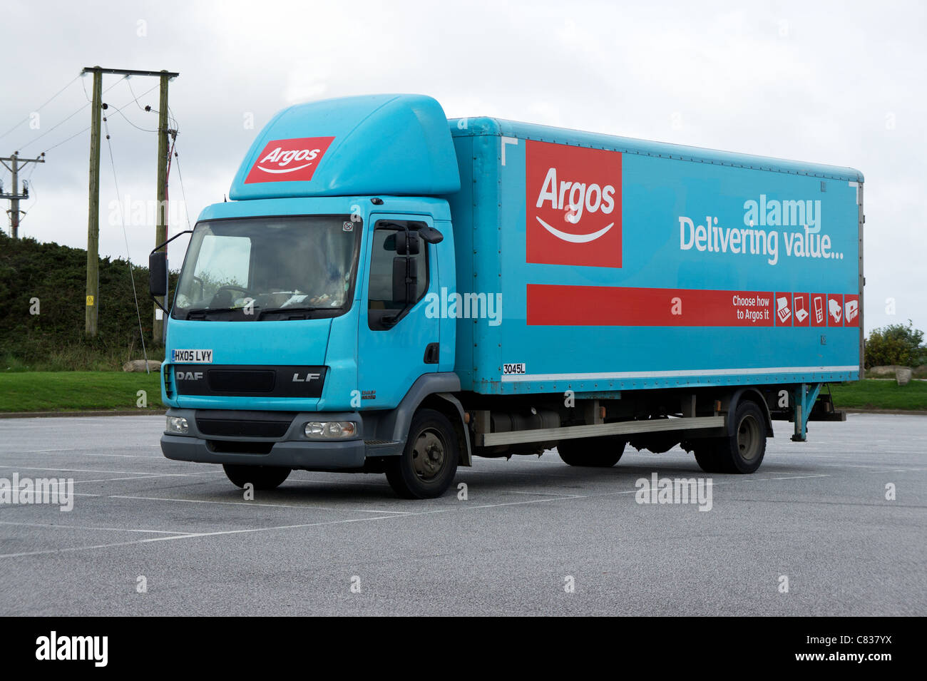 An Argos delivery truck - Stock Image