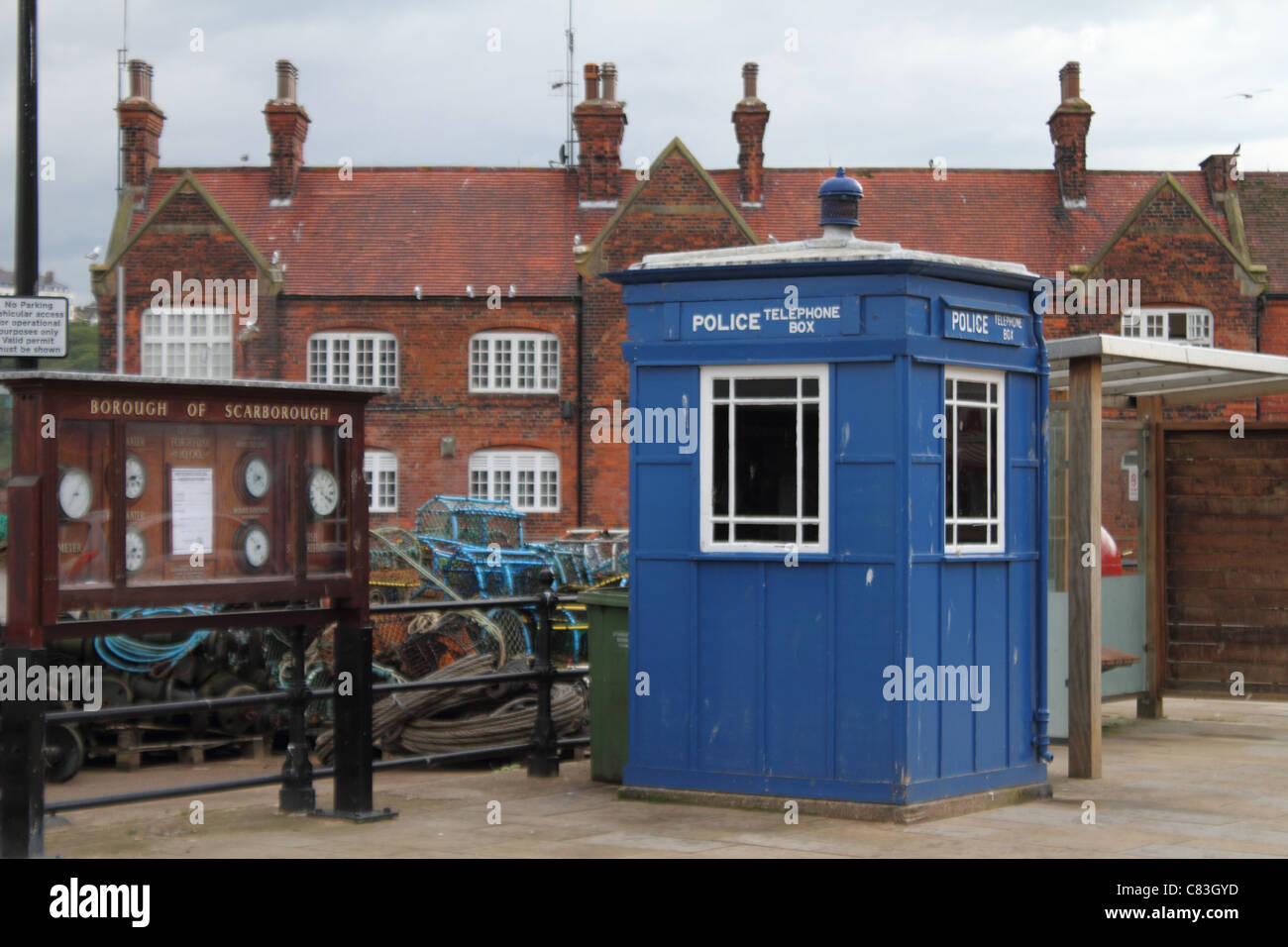 police telephone box tardis blue - Stock Image