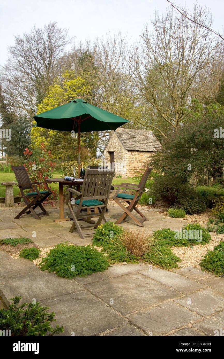 Garden Seating Spring Stock Photos & Garden Seating Spring Stock ...