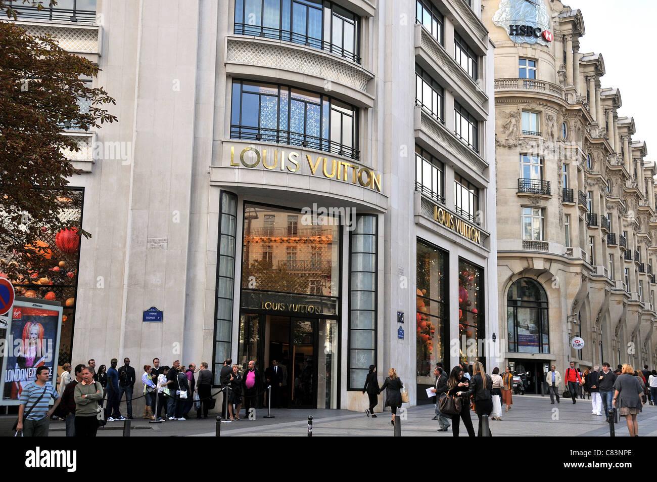 Louis Vuitton Boutique Champs Elysee Avenue Paris France