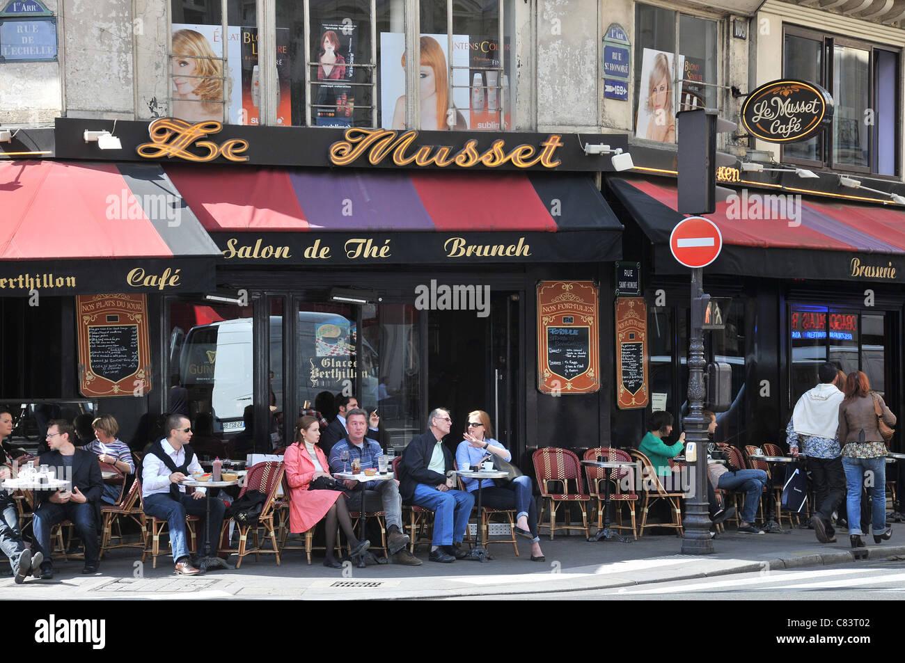 Parisian brasserie Le Musset cafe bar rue de l'Echelle Paris France Stock Photo