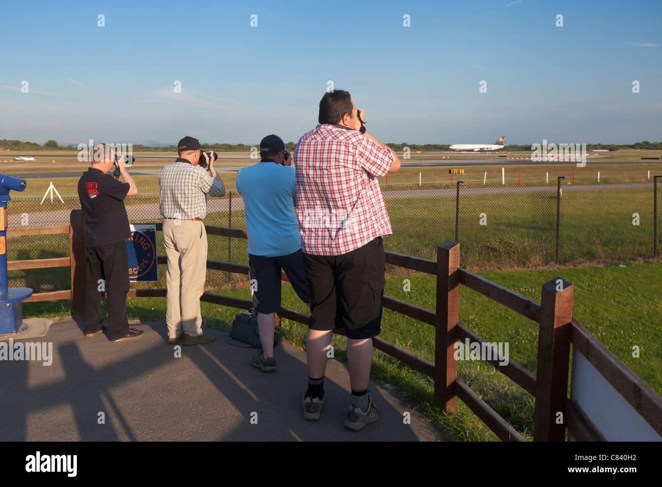 Plane spotters, Manchester, England - Stock Image