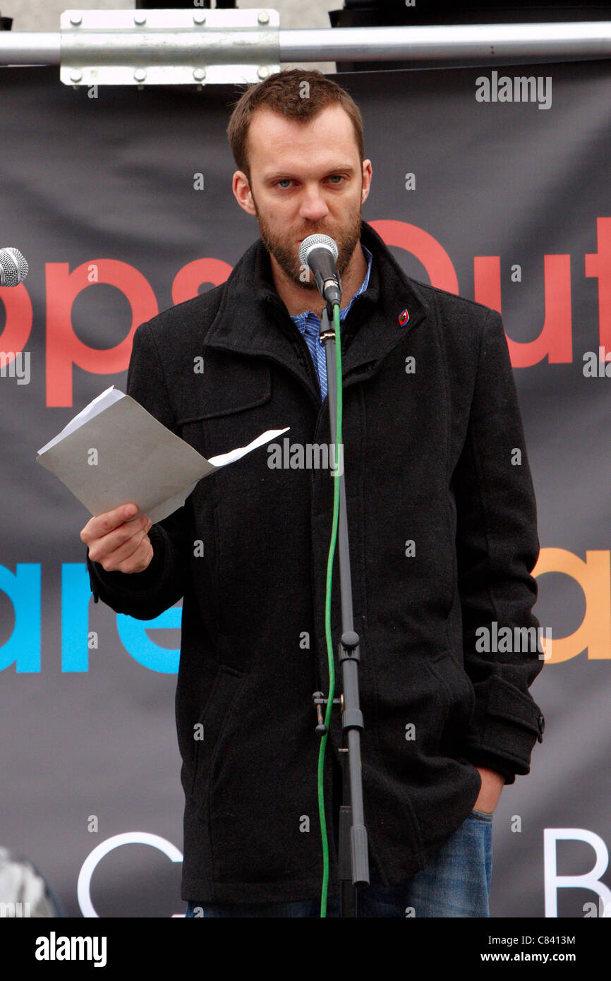 Ex soldier Joe Glenton addresses the Anti War Mass Assembly on the 10th anniversary of the invasion of Afghanistan Stock Photo