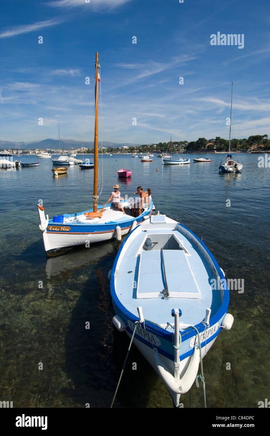 Cap d'Antibes, couple setting off sailing Stock Photo