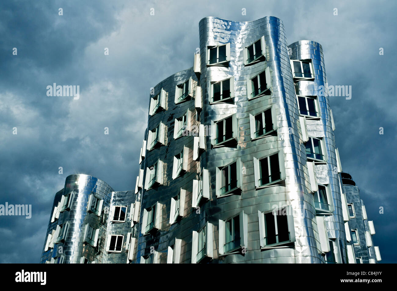 The Neuer Zollhof building at the Medienhafen, Dusseldorf, Germany Architect Frank Gehry - Stock Image