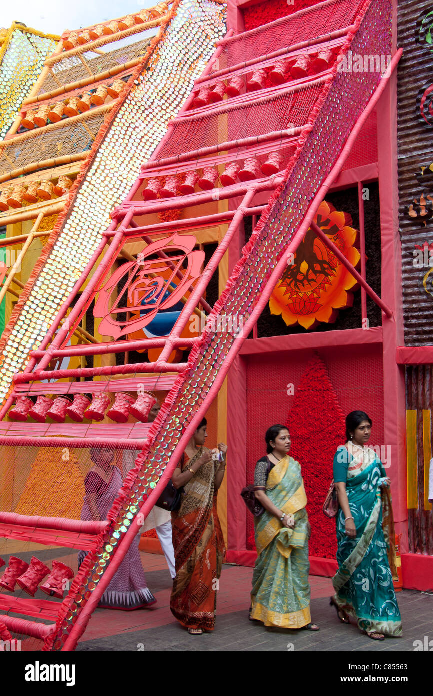 Artistic and colourful Durga puja pandal by Vivekanand Park Athletic Club in Haridevpur, Kolkata (Calcutta), West - Stock Image