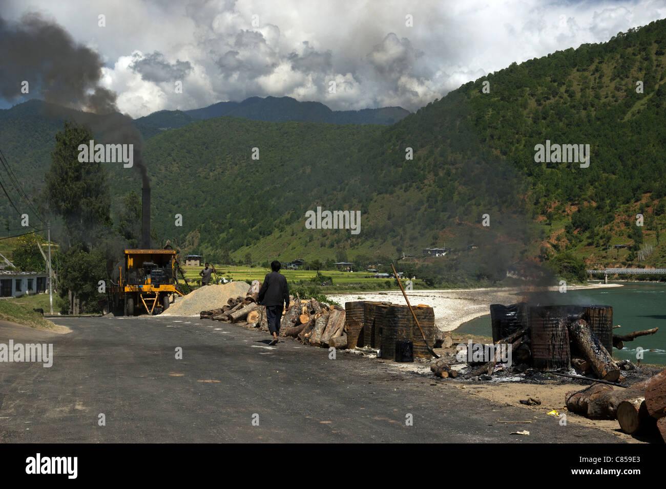Road outside Punakha Dzong , bhutan - Stock Image