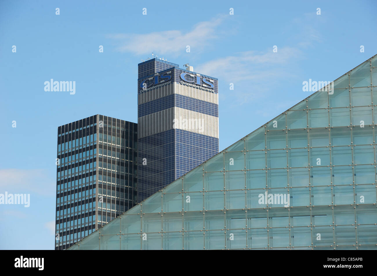 MANCHESTER'S URBIS MUSEUM AND CIS THE CO-OPERATIVE INSURANCE BUILDINGS - Stock Image