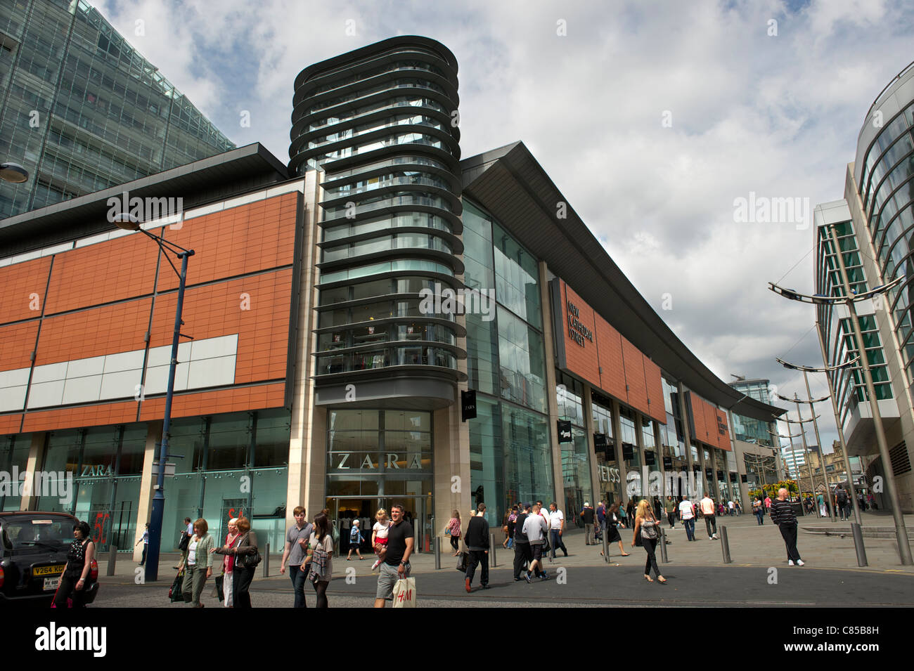 MANCHESTER'S NEW CATHEDRAL STREET SHOPS - Stock Image