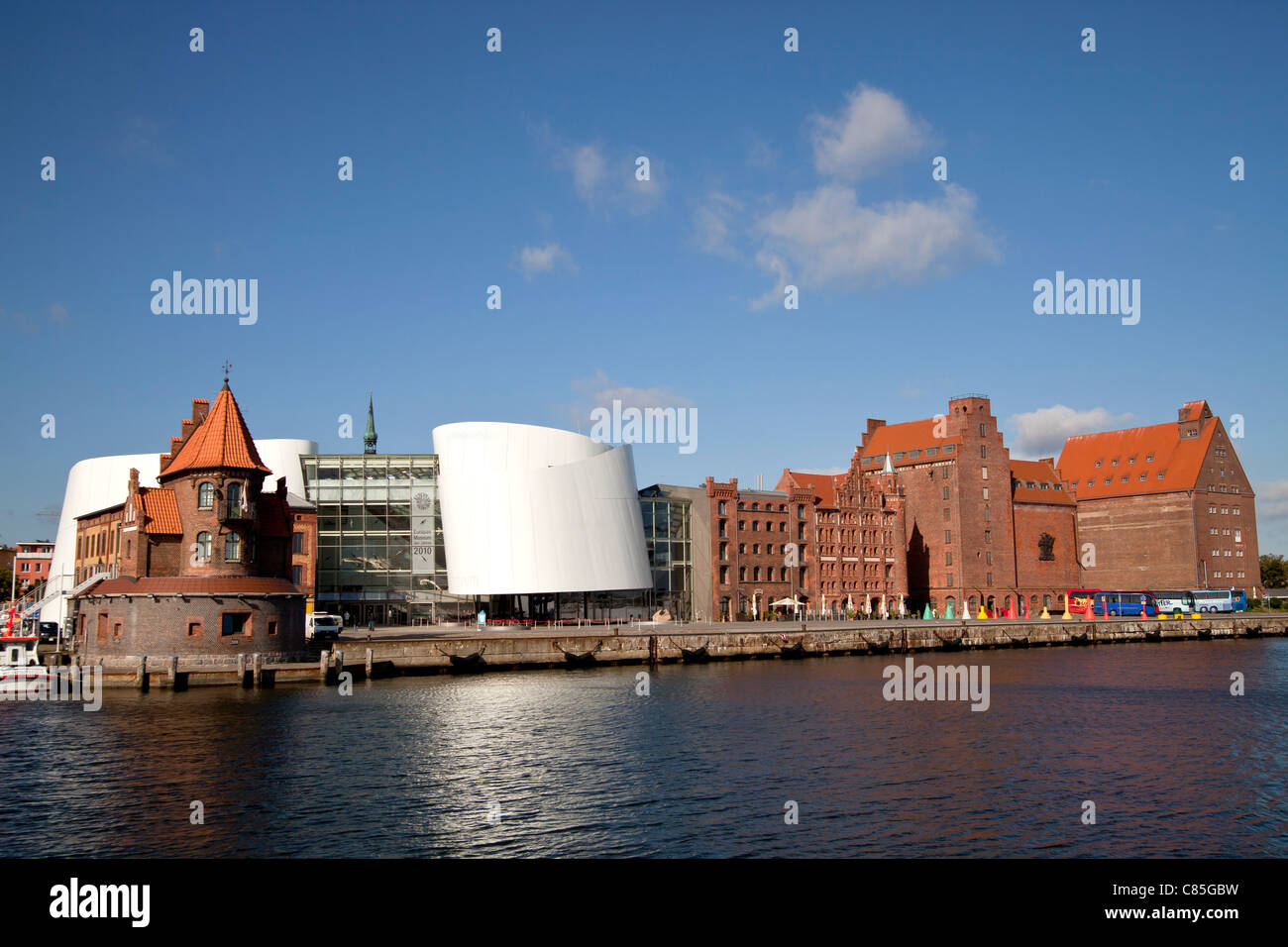 building of the Maritime pilots, Ozeaneum and former warehouses at the harbour of the Hanseatic City of Stralsund, - Stock Image