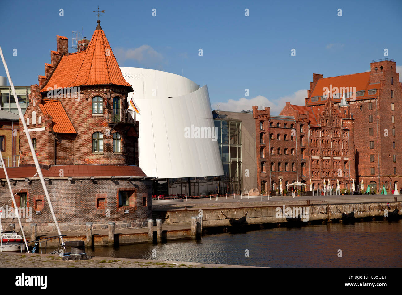 building of the Maritime pilots and Ozeaneum at the harbour of the Hanseatic City of Stralsund, Mecklenburg-Vorpommern, - Stock Image