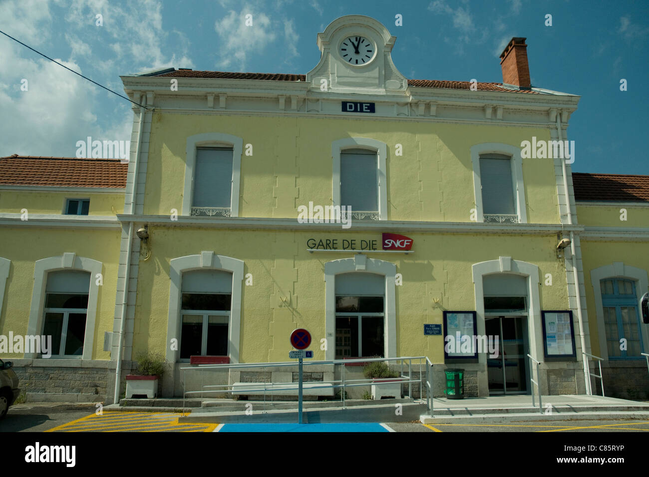 Die (pronounced Dee) railway station in the foothills of the French Alps - Stock Image