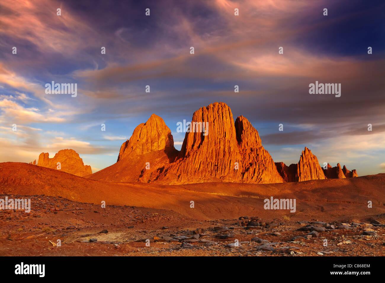 Sunset in Sahara Desert, Hoggar mountains, Algeria - Stock Image