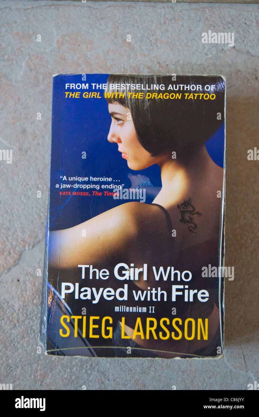 The Girl who Played with Fire novel (Millenium trilogy part 2) by Stieg Larsson - Stock Image