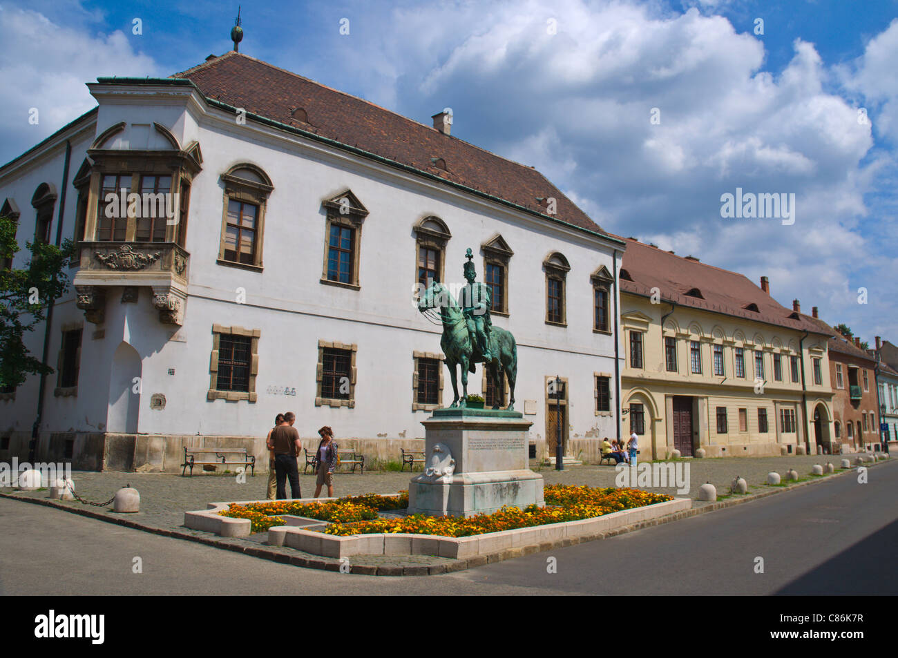 Uni utca street with statue of Andras Hadik 18th century Hungarian count Varhegy the Buda Castle Hill Budapest Hungary - Stock Image