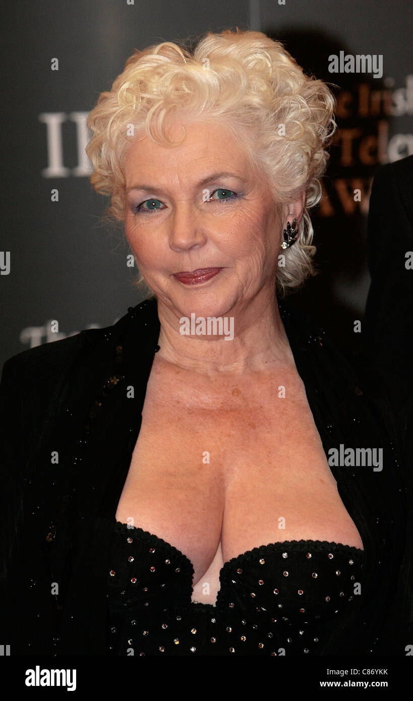 Fionnula Flanagan Nude Photos 25