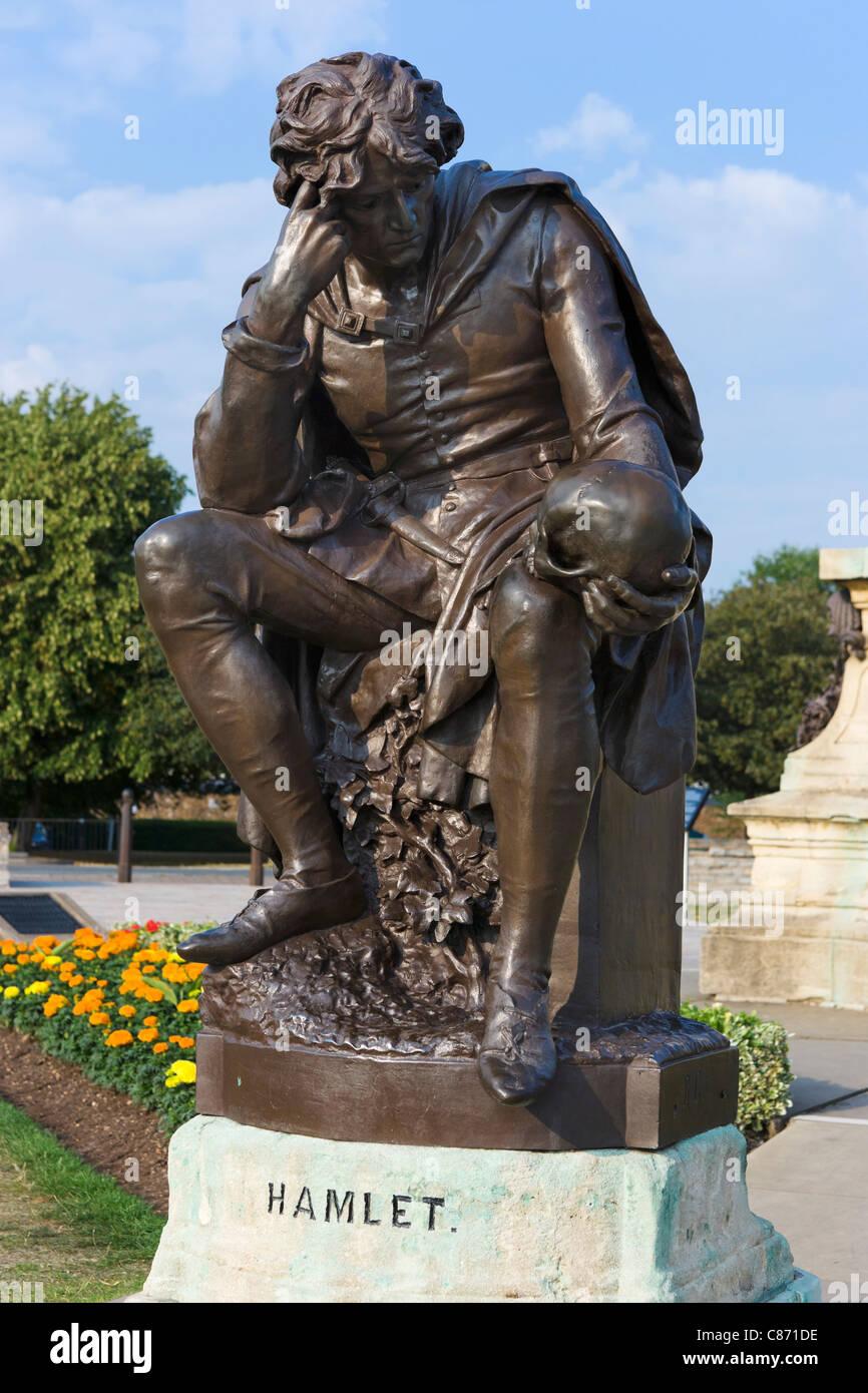 Statue of Hamlet in Bancroft Gardens, Stratford-upon-Avon, Warwickshire, England, UK - Stock Image