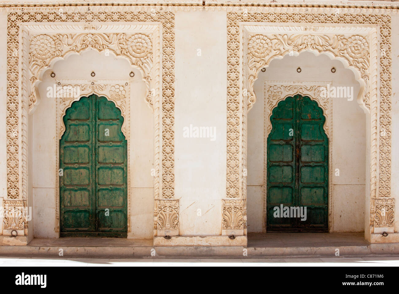 Behind the Harem Doors: What the Real Life ofArab Wives IsLike