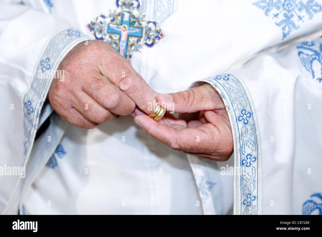 Priest Wedding Rings Stock Photos & Priest Wedding Rings Stock ...