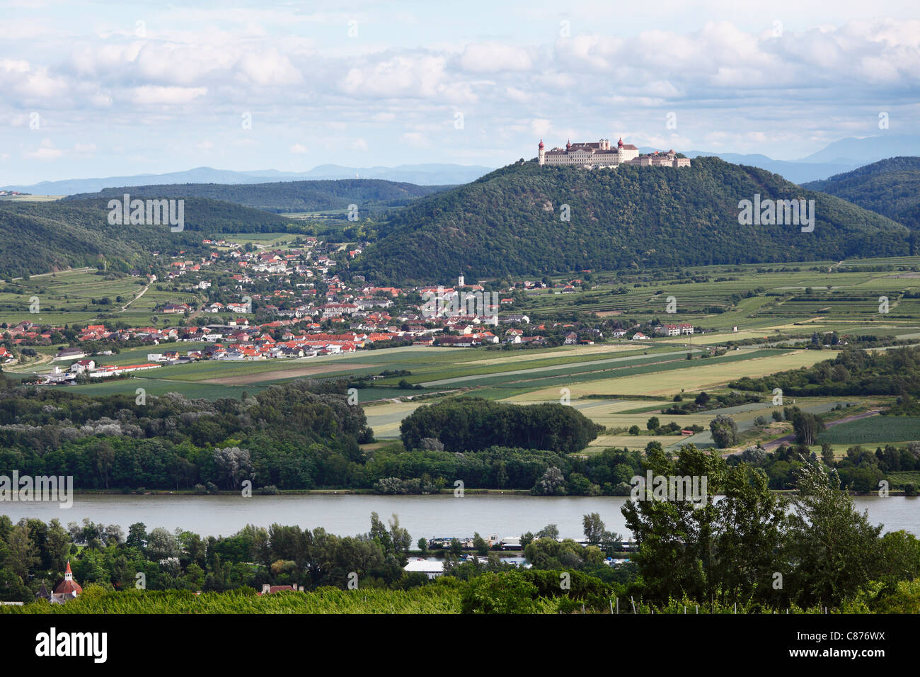 Austria, Lower Austria, Wachau, Furth bei Goettweig, View of Goettweig Abbey with village and Danube river - Stock Image
