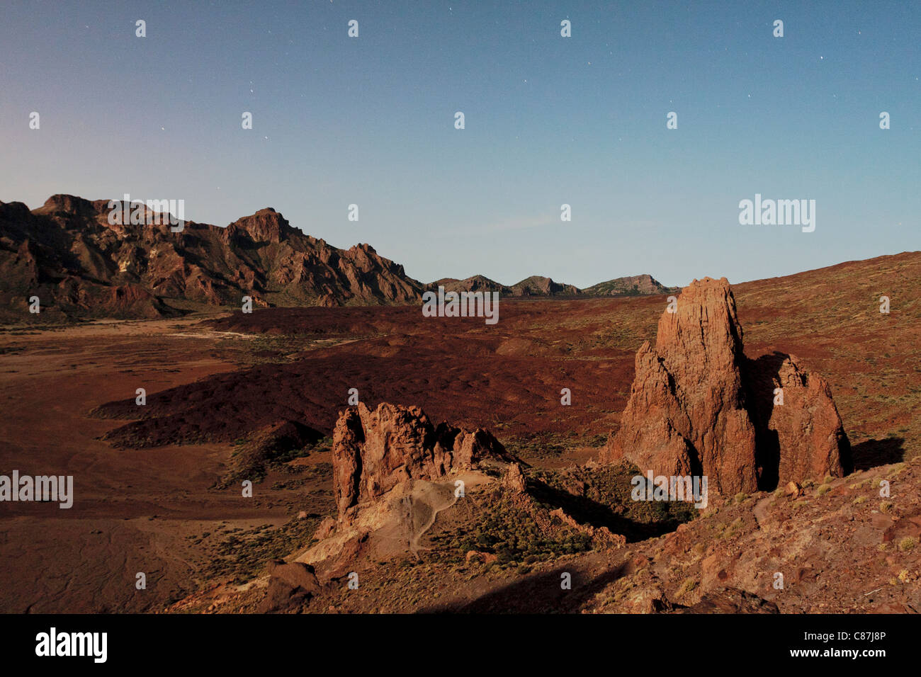 View across the Llano de Ucanca with the catedral rocks in the foreground in the Las Canadas del Teide national - Stock Image