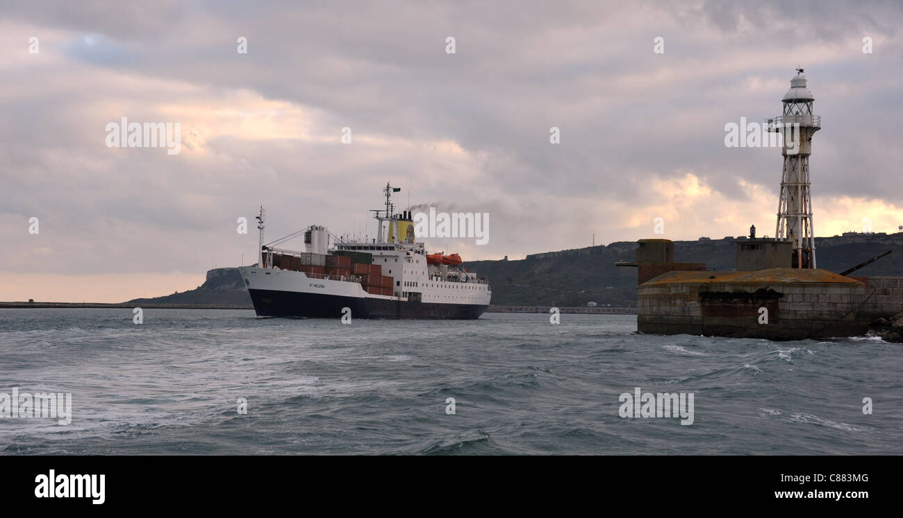 RMS St Helena leaves Portland Port, Dorset, for the last time on her way south to Ascension Island and St Helena. - Stock Image