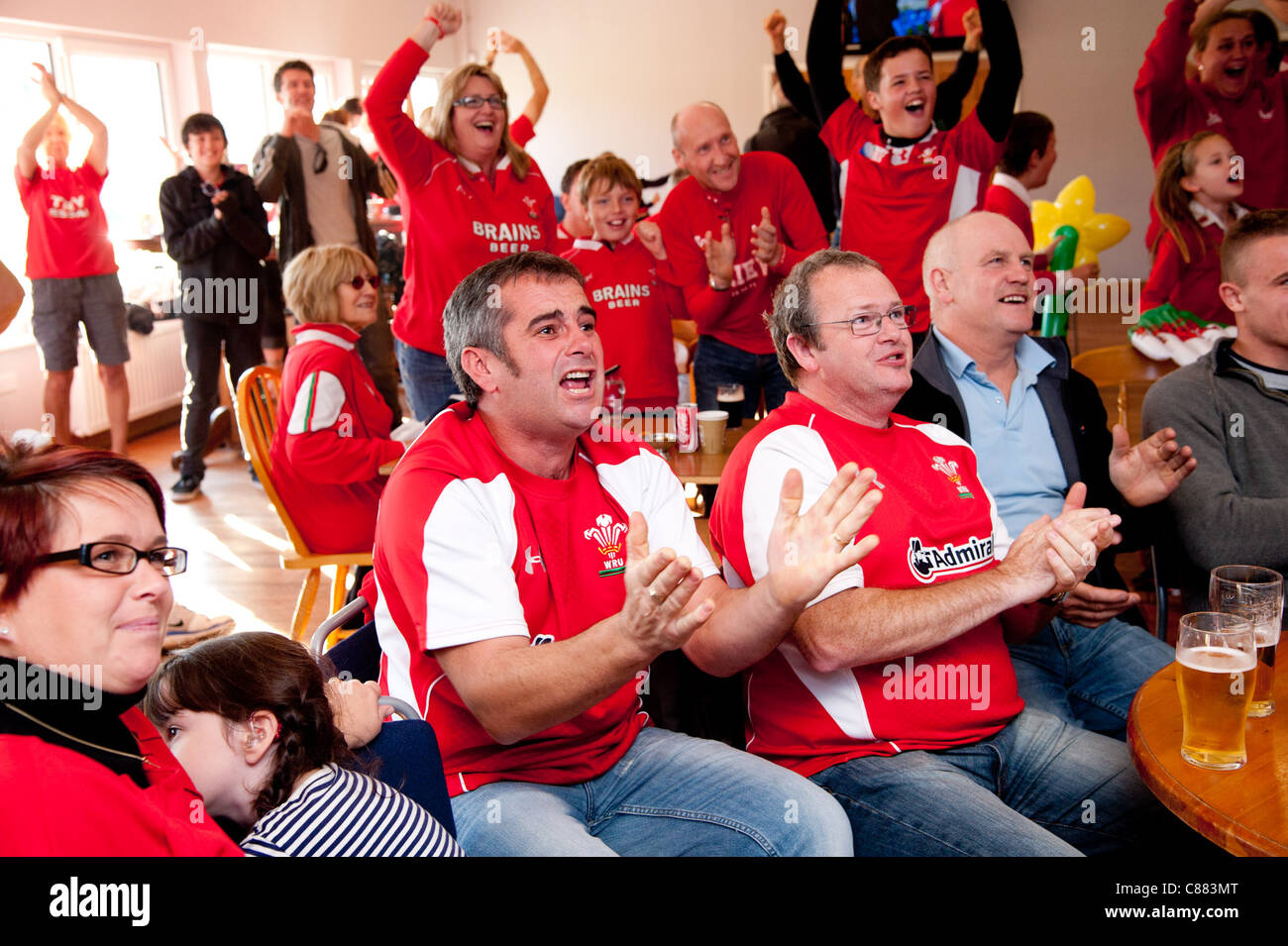 Aberystwyth Rugby club, Wales UK. 15 Oct 2011. Welsh rugby fans watch the Rugby World cup semi final match between - Stock Image