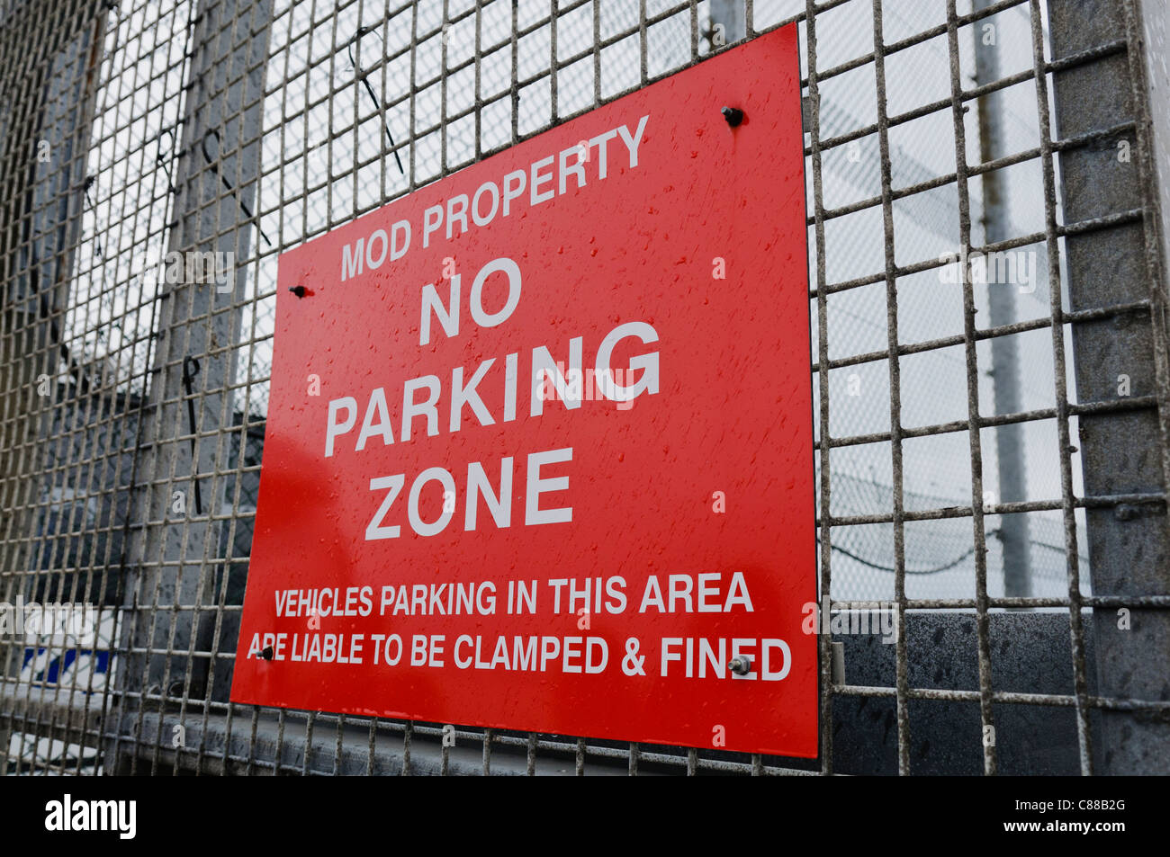 No parking zone MOD property sign - Stock Image