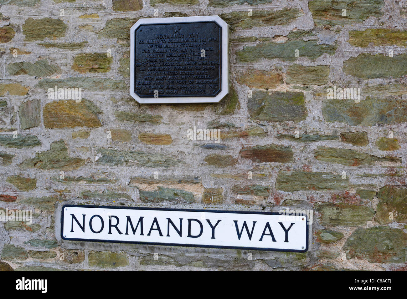 Plaque to commemorate the men of the United States Navy who passed this way to embark for the Normandy Beaches - Stock Image