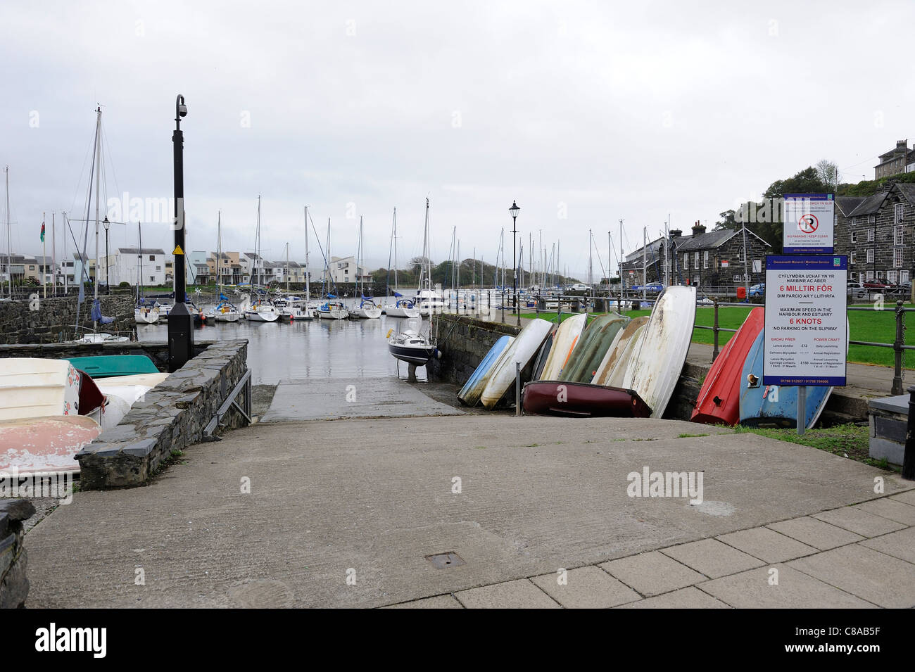 harbour towpath porthmadog gwynedd north wales uk - Stock Image