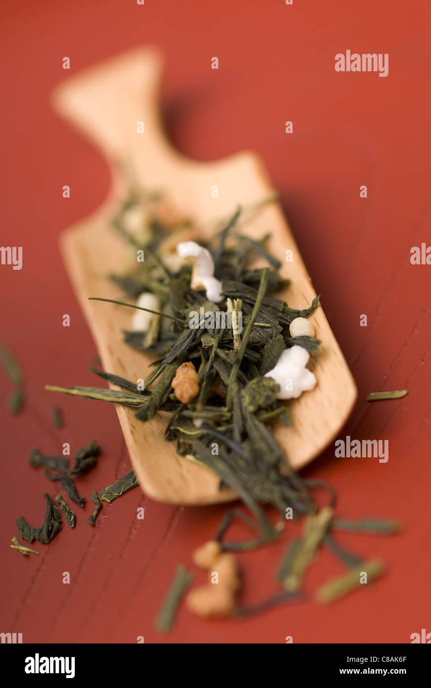 Scoopful of flavored tea - Stock Image