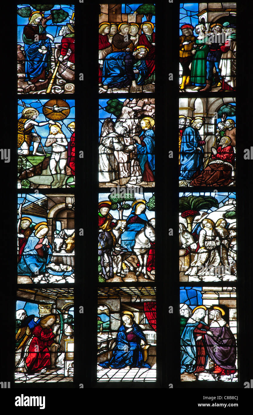 Milan - detail from windowpane of Dom - Stock Image