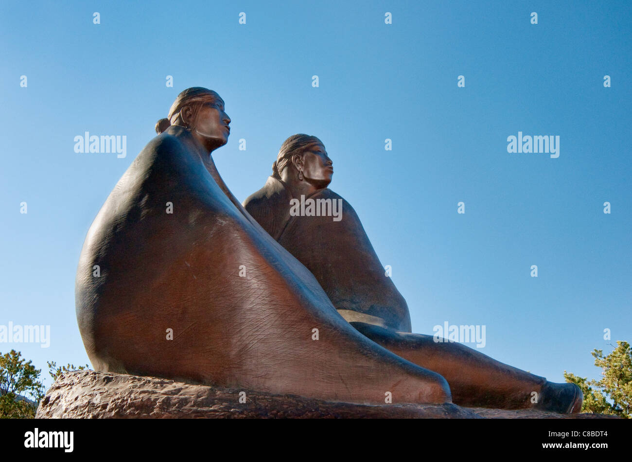 Dineh, bronze sculpture by Allan Houser, Wheelwright Museum of the American Indian, Museum Hill, Santa Fe, New Mexico, - Stock Image
