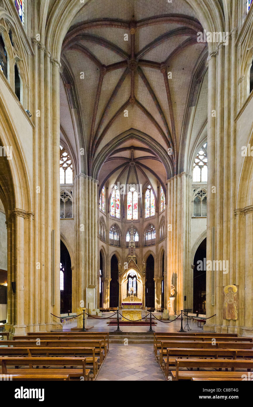 Interior of the Cathedral Sainte Marie, Bayonne (Baiona), Cote Basque, Southern France - Stock Image