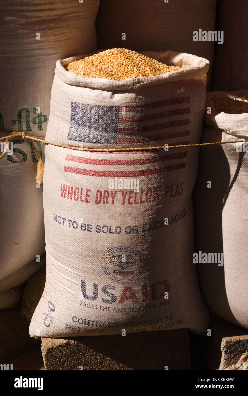 Elk200-4136v Ethiopia, Harar, market, yellow lentils - Stock Image