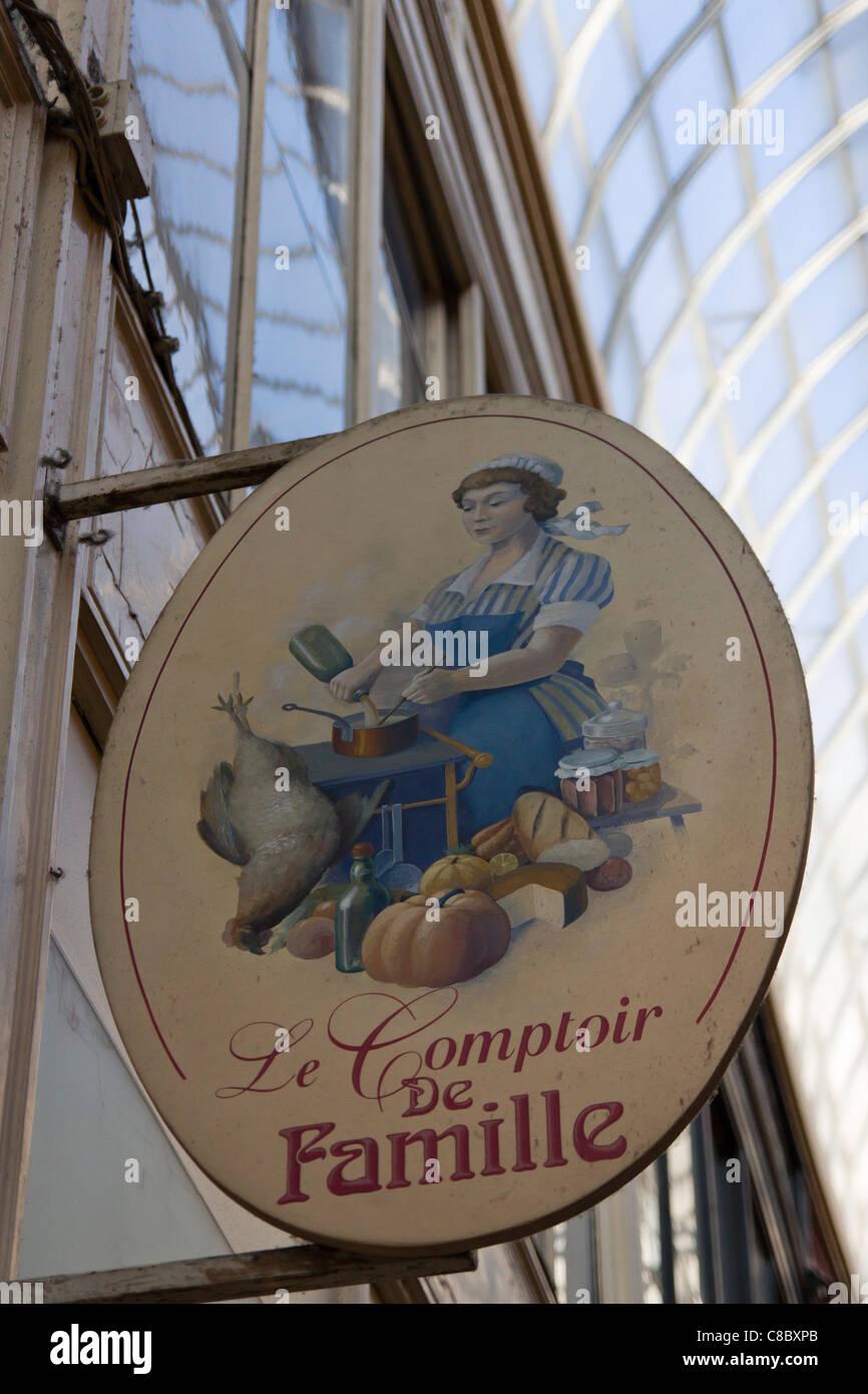 Famille stock photos famille stock images alamy - Comptoir de famille paris ...