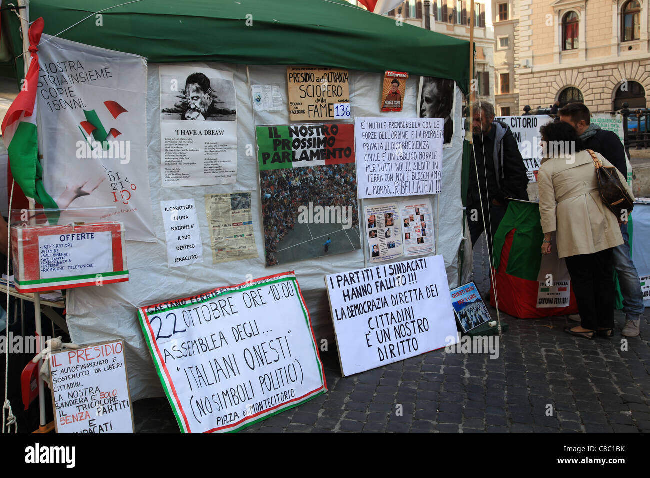 Hunger strikers' tent in front of the Italian Parliament, Rome - Stock Image