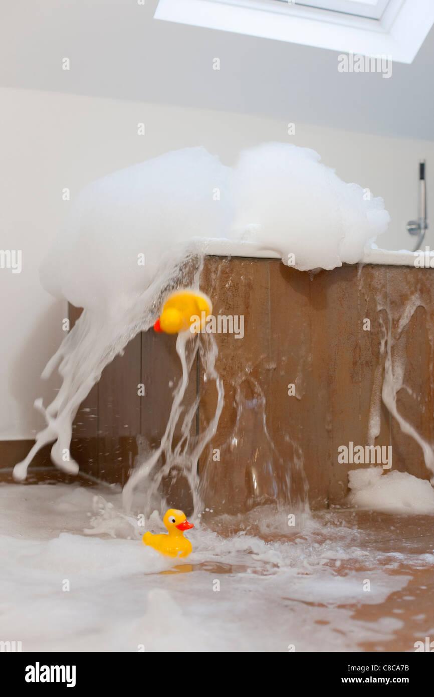 Bath tub overflowing - Stock Image