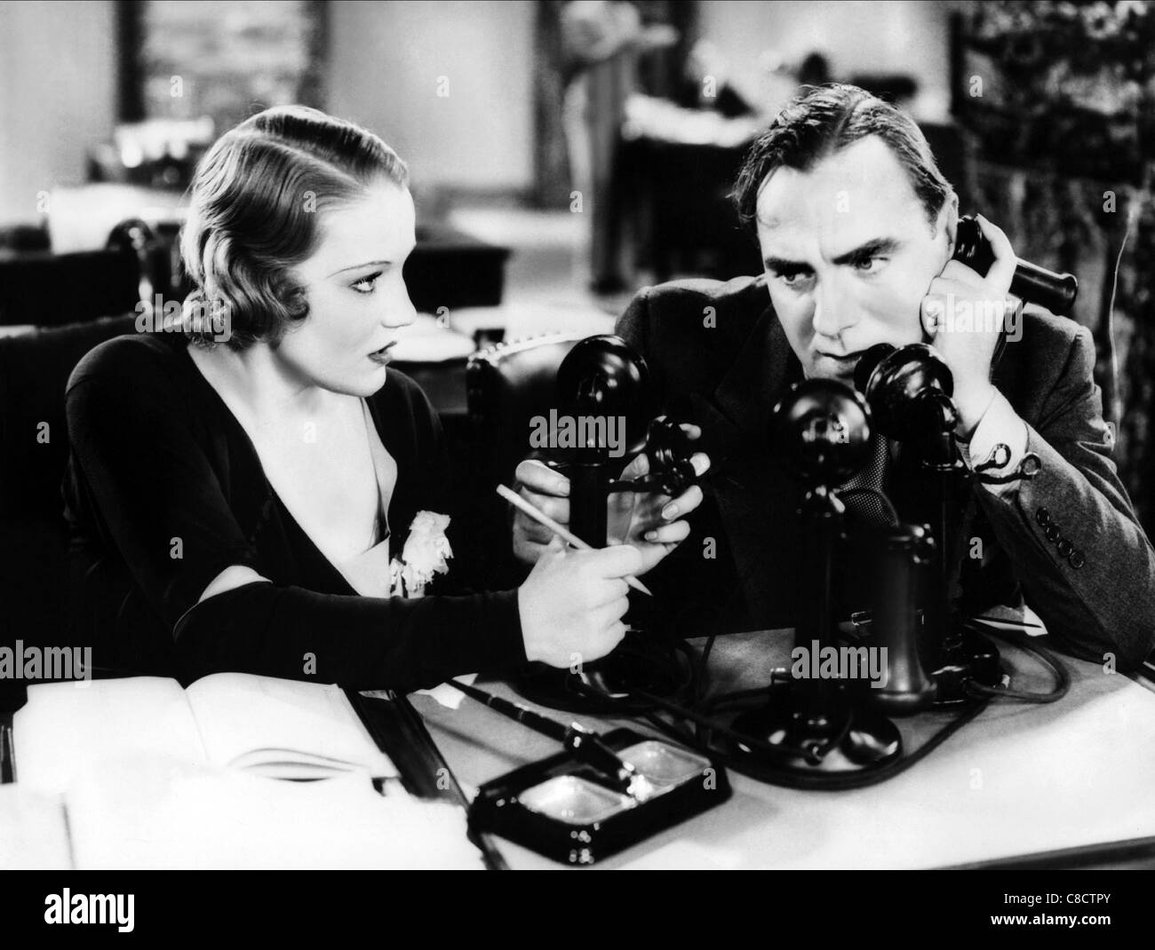 CONSTANCE CUMMINGS, PAT O'BRIEN, AMERICAN MADNESS, 1932 Stock Photo