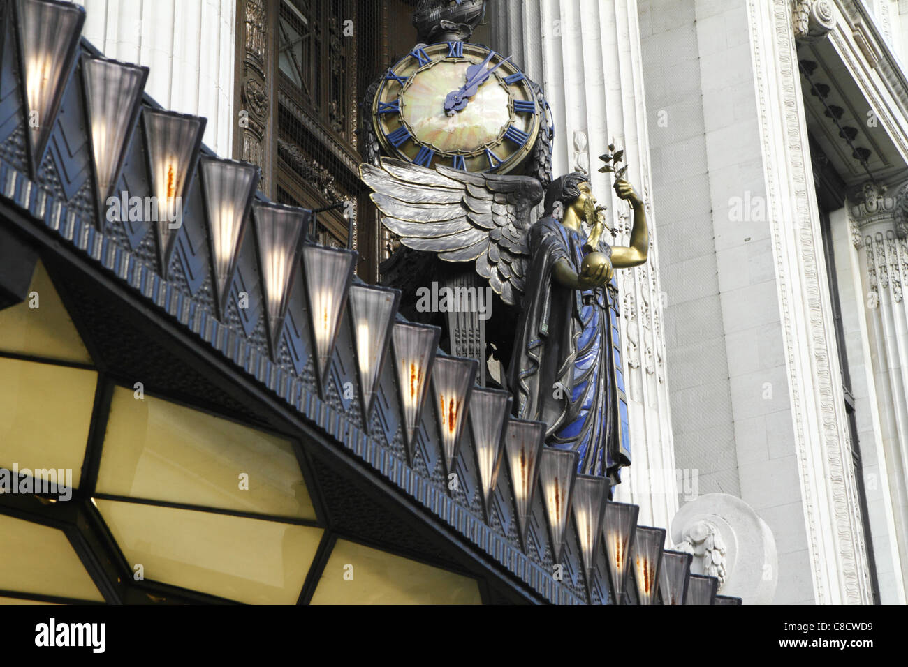 The 'Queen of Time' clock at Selfridges department store, London UK - Stock Image