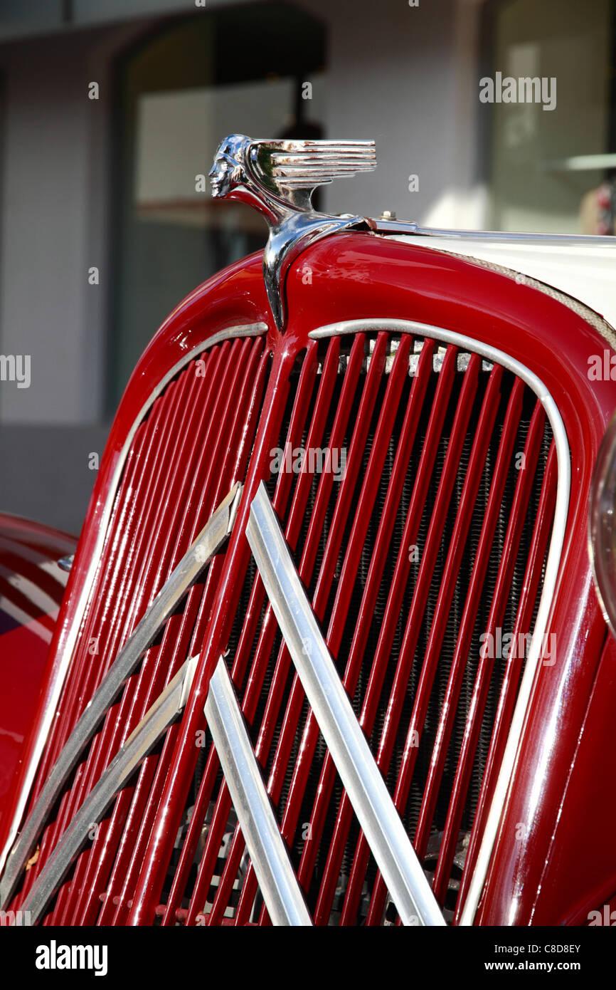 Citroen vintage, bonnet detail - Stock Image