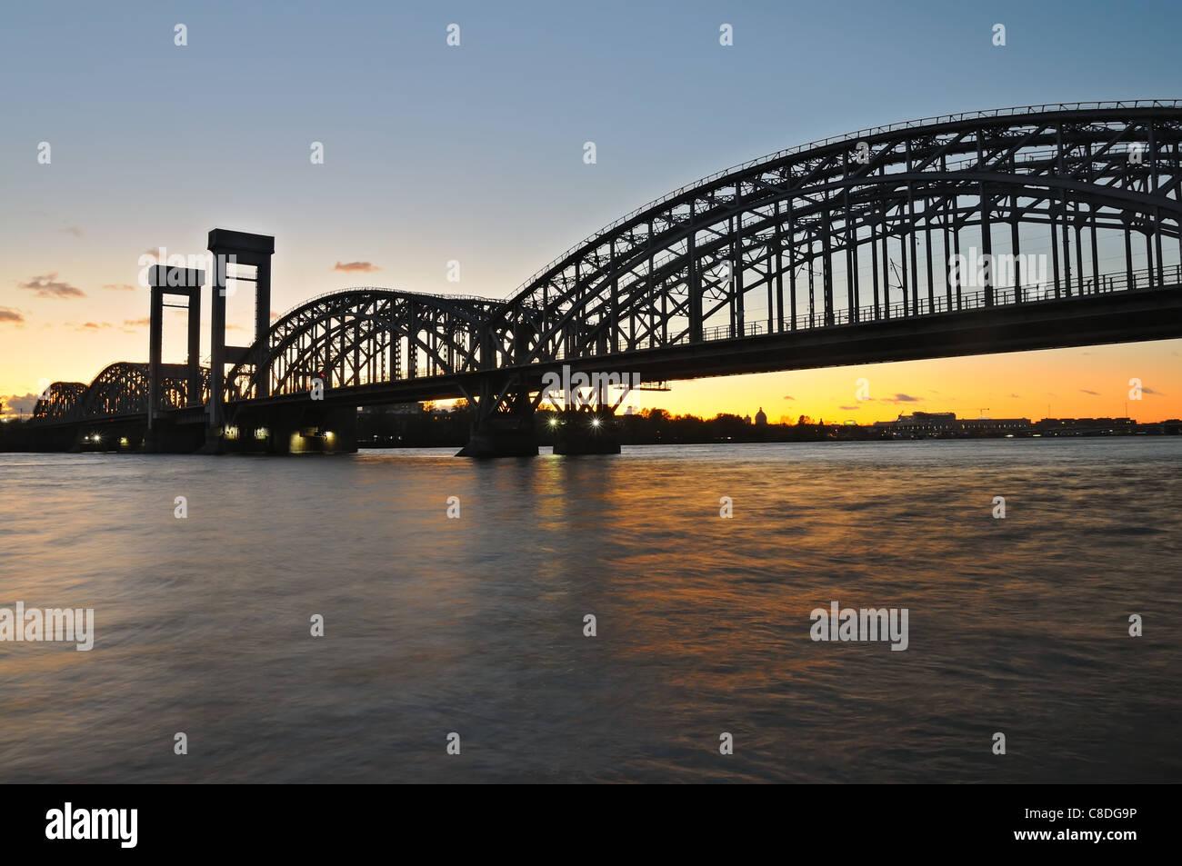 Night view of Finland Railway Bridge, Neva river, Saint Petersburg, Russia. - Stock Image