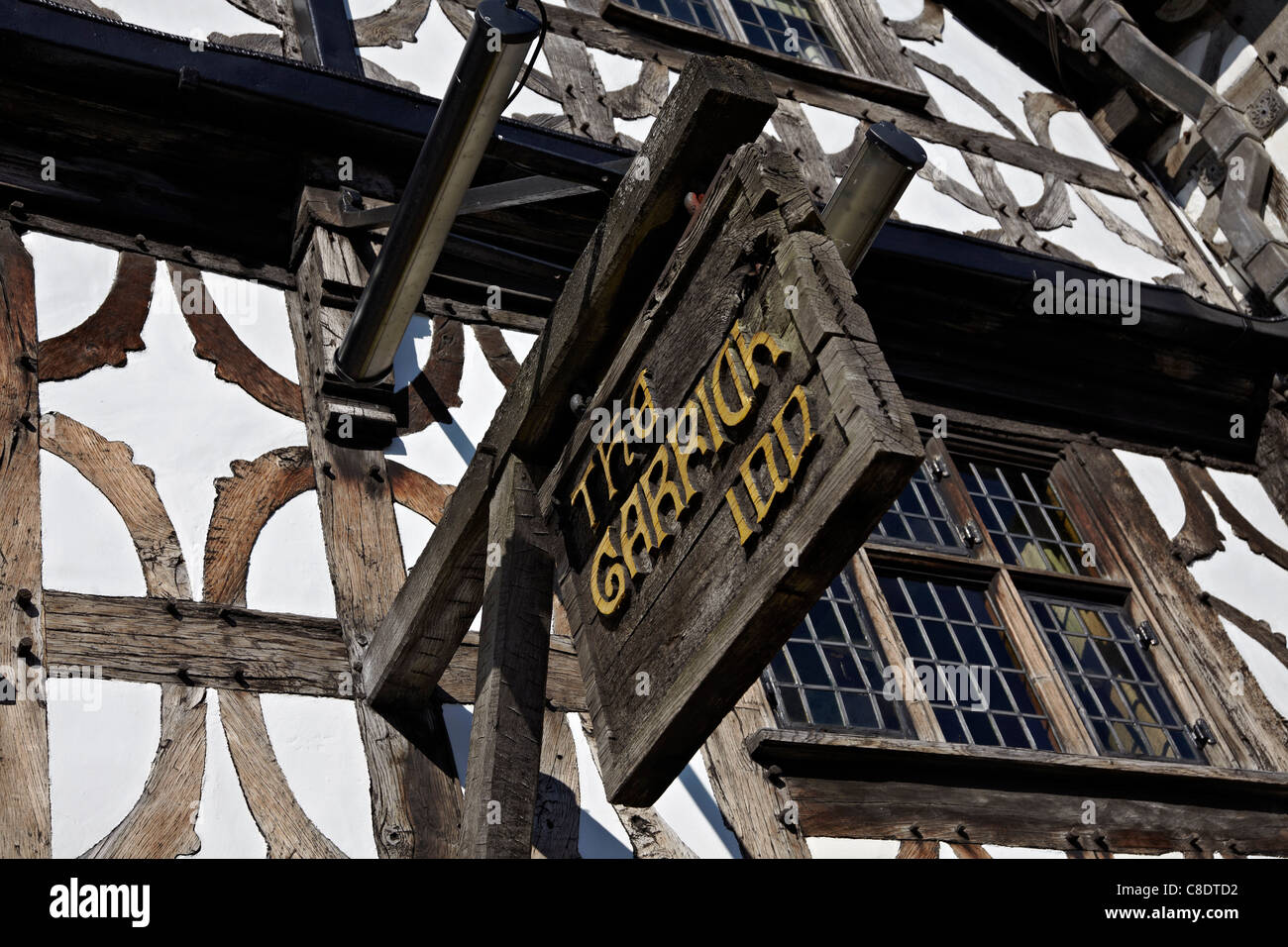 The Garrick Inn, High Street, Stratford upon Avon, England. The towns oldest public house dating back to 1595. - Stock Image