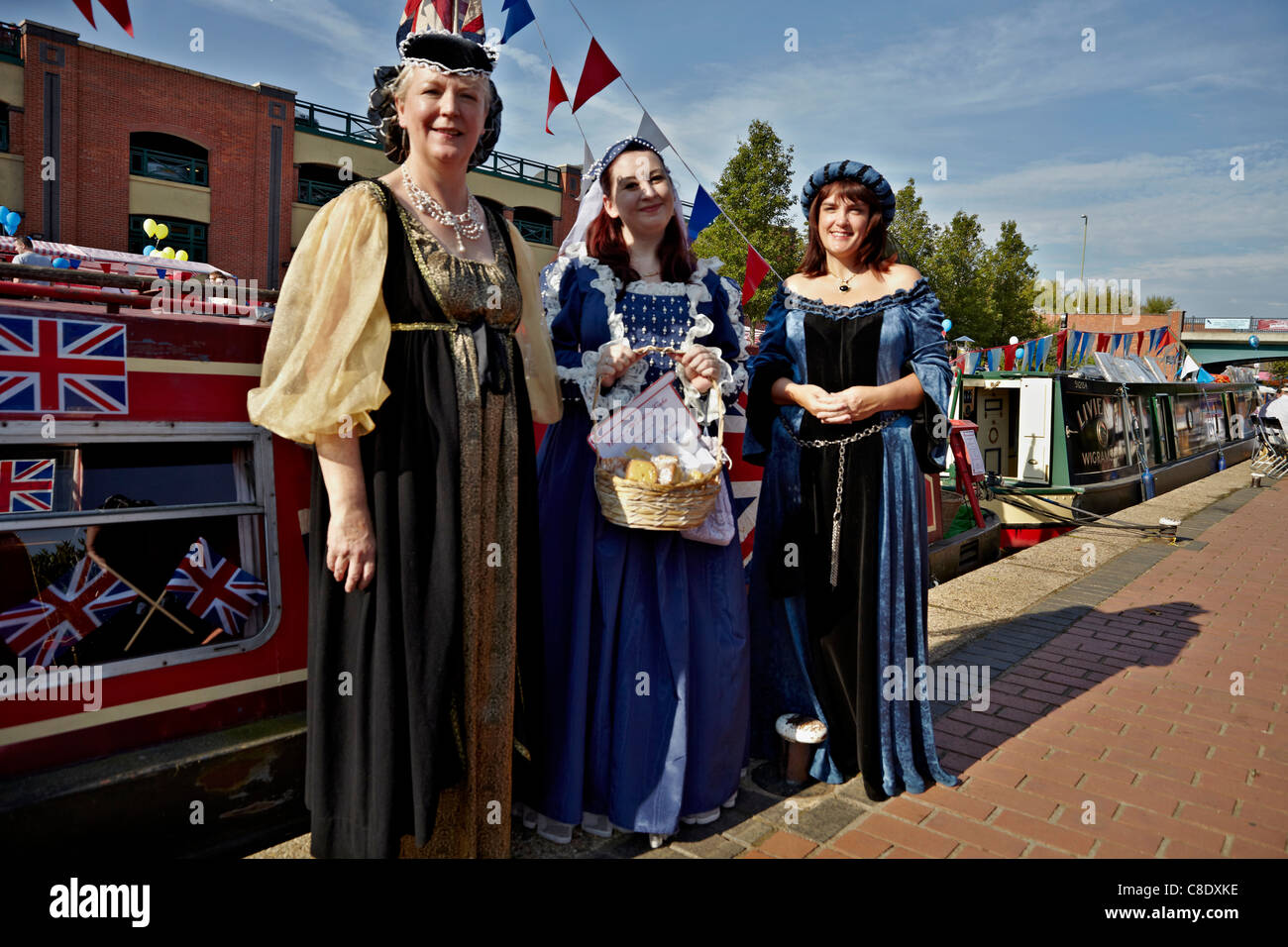 Women in medieval dress at the Banbury Canal Day. Oxfordshire England UK - Stock Image
