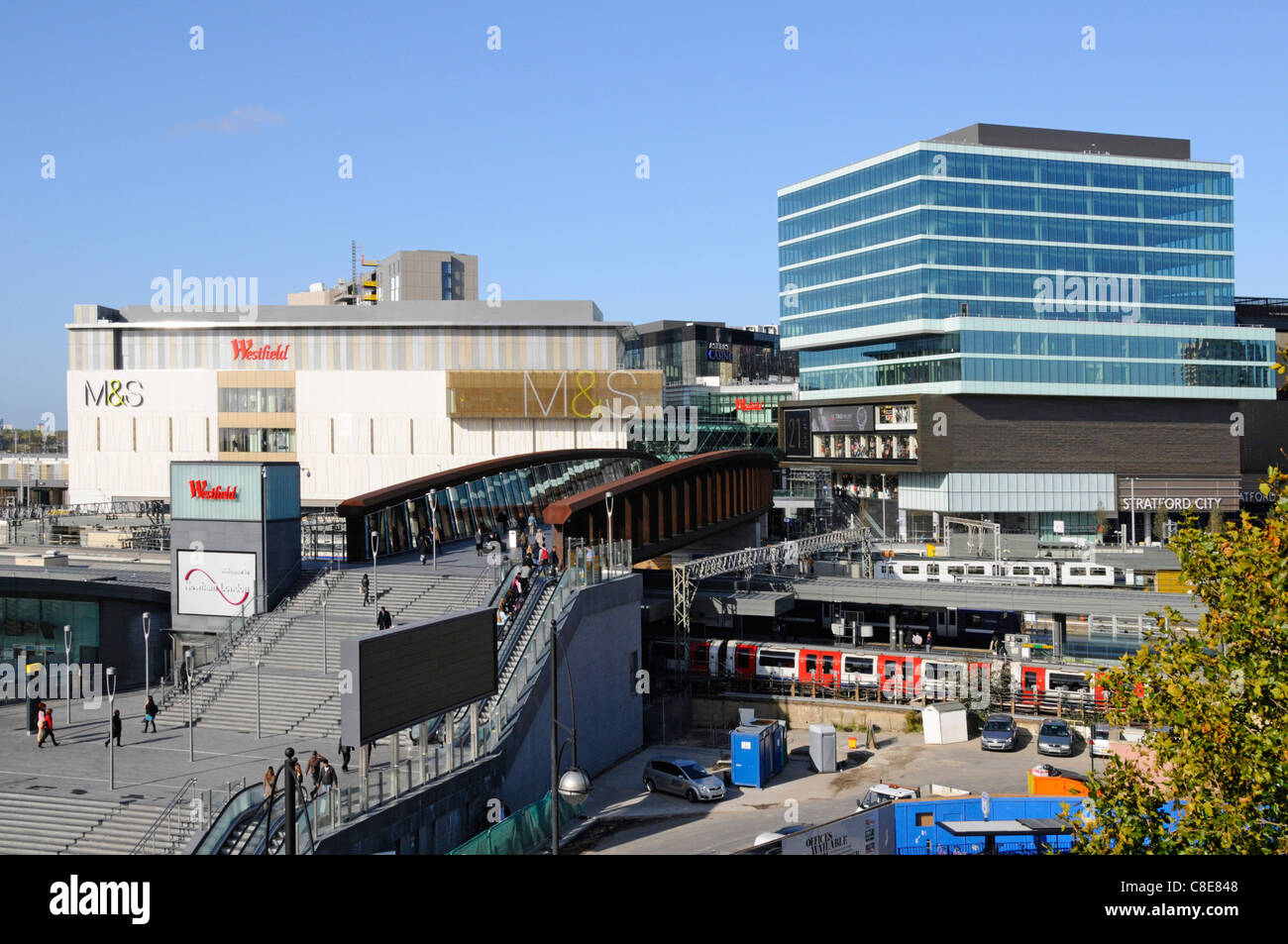Marks & Spencer store & Stratford City Westfield shopping centre with access bridge over Stratford station - Stock Image