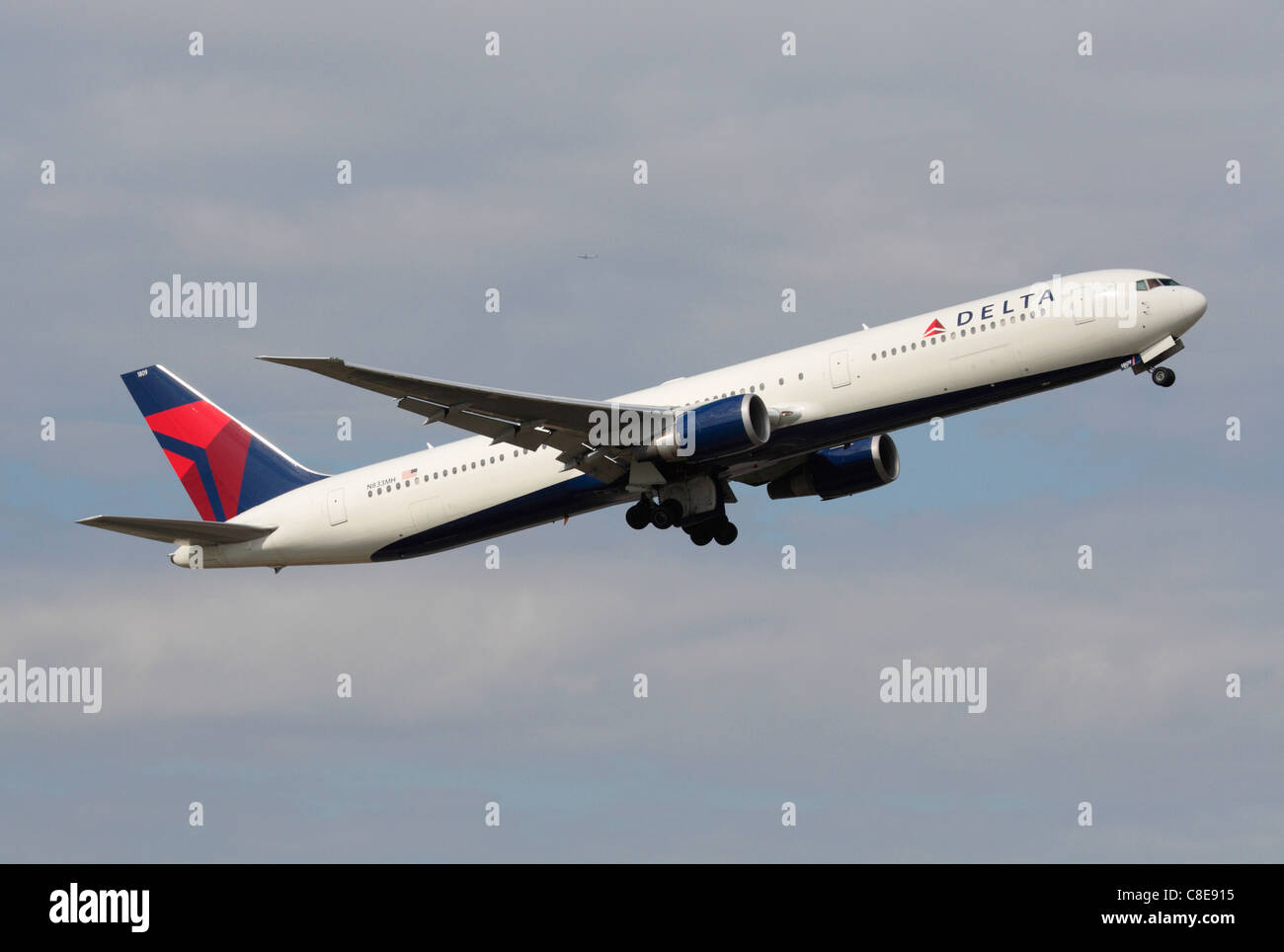 Delta Airlines Jet Stock Photos Amp Delta Airlines Jet Stock