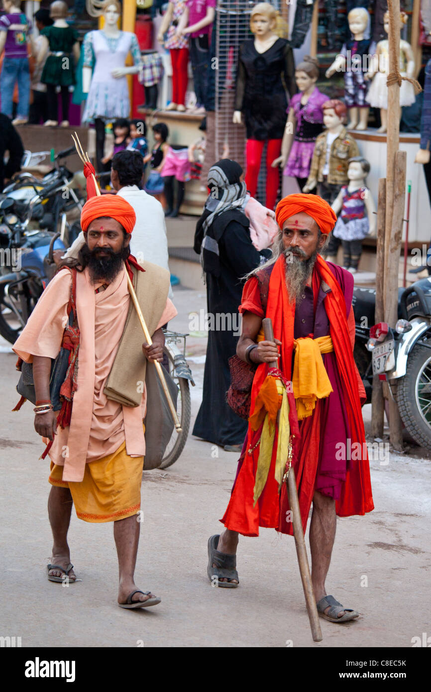 Hindu sadhu pilgrims at Festival of Shivaratri in holy city of Varanasi, Benares, India Stock Photo