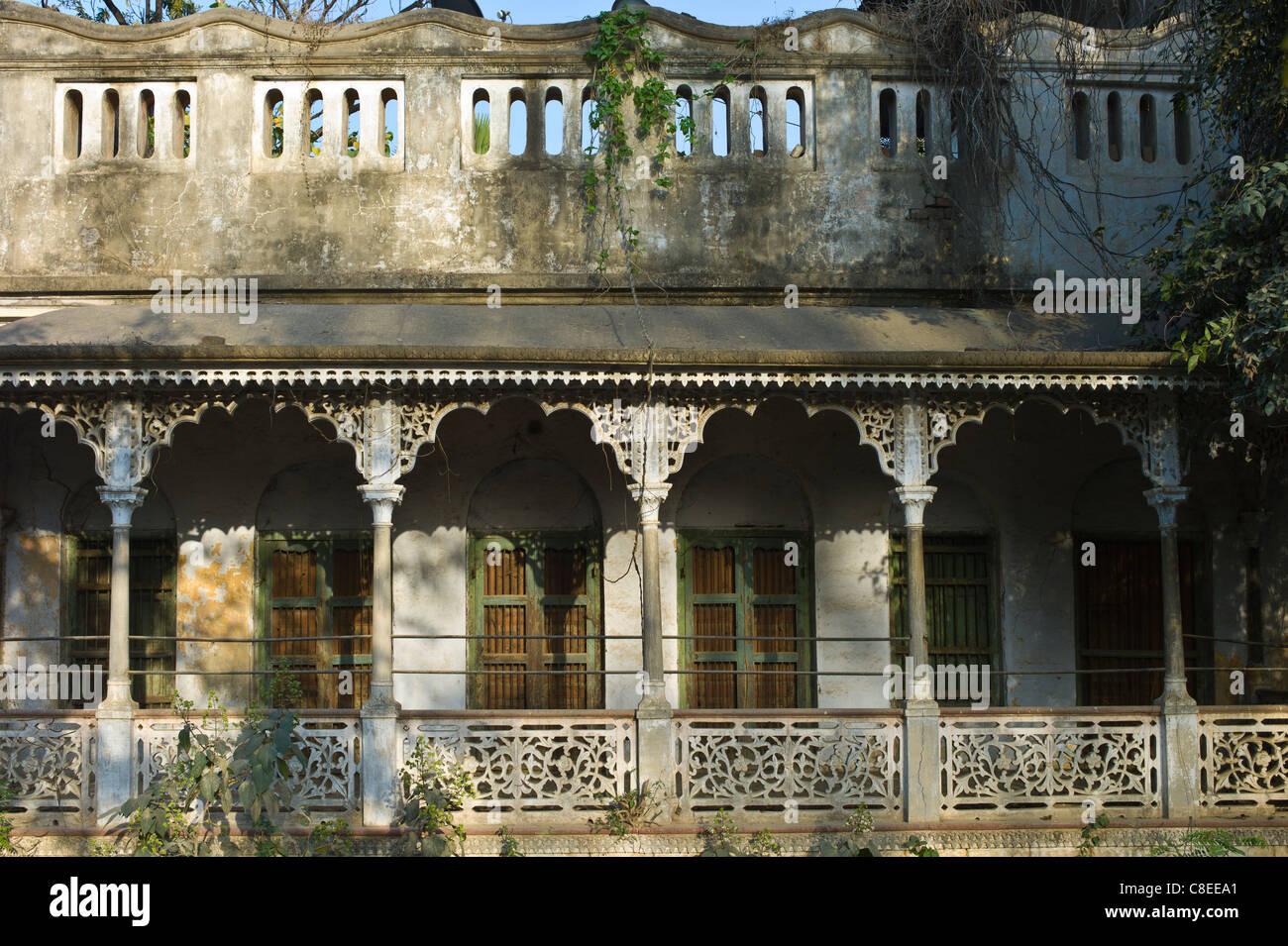 Old Colonial Architecture Period House At Sarnath Near Varanasi
