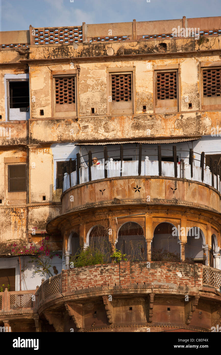 Traditional architecture ancient building fronting the famous Ghats by The Ganges River in Holy City of Varanasi, - Stock Image